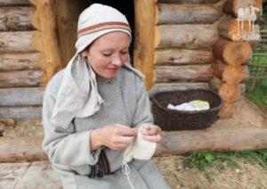 Вязание костяной иглой