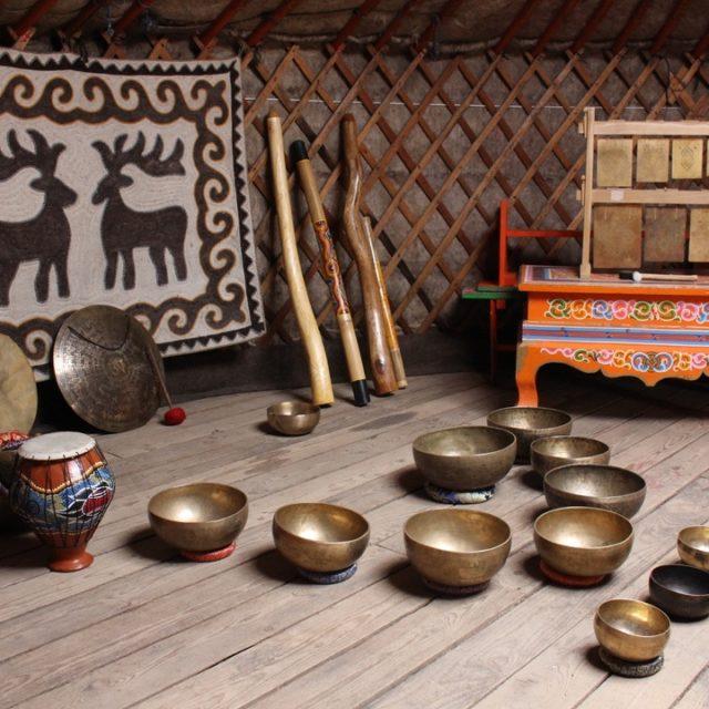 Тибетские чаши, этническая музыка, диджириду, ханг драм